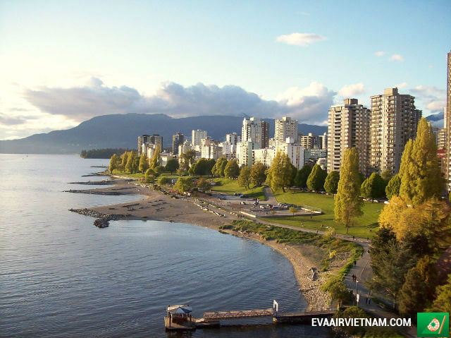 ve may bay di vancouver gia re