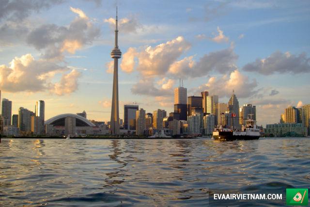 Mua vé máy bay đi Toronto, Canada hãng EVA Air