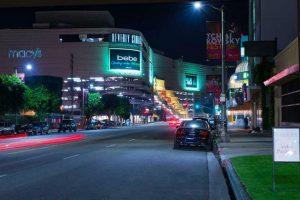 Khám phá trung tâm mua sắm hoành tráng nhất Los Angeles