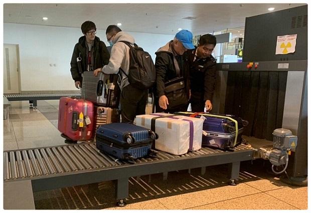 Mua vé máy bay đi nước ngoài giá tốt