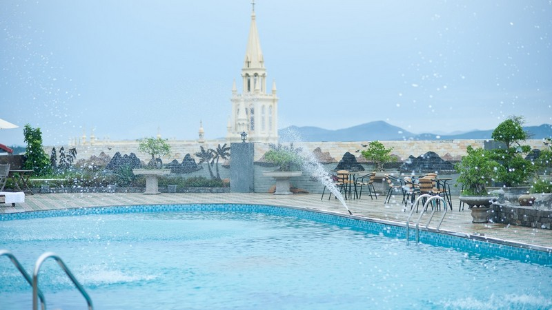 Hồ bơi Khách sạn Mường Thanh Diễn Châu