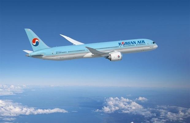 Chuyến bay từ Vancouvervề Sài Gòn
